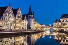Leie河岸在跟特,比利时,欧洲。 库存图片