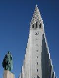 Leifur Heppni en HallgrÃmskirkja, Reykjavik, IJsland Royalty-vrije Stock Foto