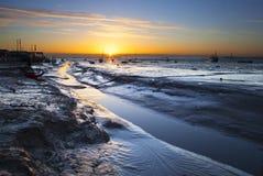 Leigh sur le lever de soleil de mer images libres de droits