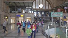 LEIPZIG, ALLEMAGNE - 1ER MAI 2018 Entrée à Promenaden Hauptbahnhof ou magasin central de gare ferroviaire Images stock