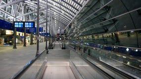 Leipzig Halle Flughafen Airport Terminal Building, lege gang royalty-vrije stock foto's