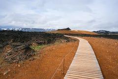 Leirhnjukur geothermisch gebied dichtbij de vulkaan Krafla, IJsland stock foto's