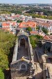 leiria portugal Fördärvar av Santa Maria da Pena Church royaltyfri foto