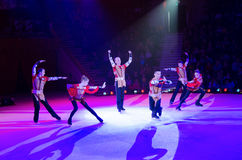 Leistung der künstlerischen Truppe Moskau-Zirkusses auf Eis Stockbilder
