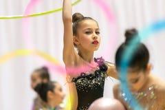 Leistung der rhythmischen Gymnastik lizenzfreies stockbild