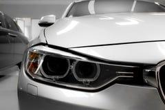 Leistungs-Auto-Scheinwerfer schließen heraus Lizenzfreie Stockbilder