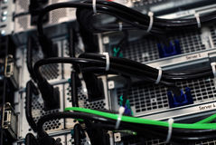 Leistungseilzüge im datacenter Stockfotografie
