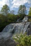 Leistungsfähiger Wasserfall Stockfotos