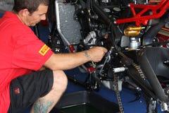 Leistungteam durch Suriano Triumph Daytona Stockfoto