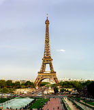 Leitartikel, am 13. Mai 2016: Paris, Frankreich Eiffelturmsonnenuntergang konkurrieren Lizenzfreie Stockfotos