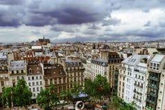 Leitartikel, am 13. Mai 2016: Paris, Frankreich Traditionelles Paris-stree Stockbilder
