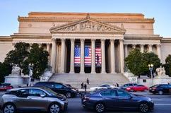 Leitartikel: Washington DC, USA - 10. November 2017 Die Archive der Vereinigten Staaten von Amerika morgens mit blauem Himmel stockfotografie
