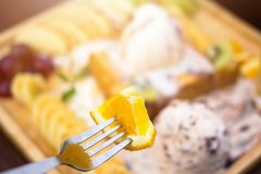 Leite doce de Chip Ice Cream Honey Santos do chocolate alaranjado fotografia de stock royalty free