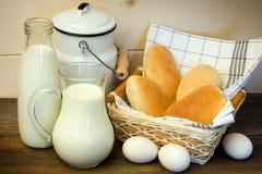 Leite e ovos imagens de stock royalty free