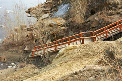 Leiter für Abfall zum Fluss Stockbilder