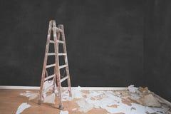 Leiter im leeren Raum, flaches Erneuerungskonzept lizenzfreies stockbild