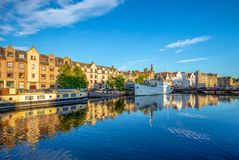 The shore of water of leith, edinburgh stock photography