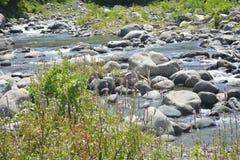 Leito fluvial situado em Ruparan barangay, cidade de Ruparan de Digos, Davao del Sur, Filipinas imagens de stock royalty free