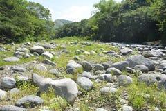 Leito fluvial situado em Ruparan barangay, cidade de Ruparan de Digos, Davao del Sur, Filipinas foto de stock royalty free
