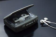 Leitor de cassetes estereofônico pessoal portátil da fita Fotografia de Stock Royalty Free