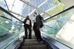 Leitprogramme auf einer Rolltreppe Lizenzfreie Stockfotos