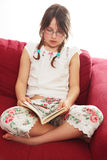 Leitura antes da cama Imagem de Stock Royalty Free