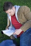Leitura do estudante Imagem de Stock