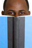 Leitura do homem Fotos de Stock Royalty Free
