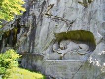 Lejon av Lucerne skulptur i Lucerne, Schweiz Royaltyfri Foto