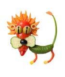 Lejon som göras av gurkan, peppar och havre royaltyfri bild
