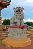 Lejonskulptur som ska blockera all farligt som ska nås i området royaltyfria foton