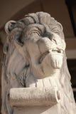 Lejonskulptur - traditionellt symbol av Lviv Arkivfoton