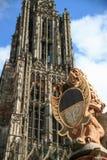 Lejonstaty på den Ulm domkyrkan, Arkivfoto