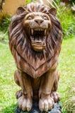 Lejonstatyn parkerar in royaltyfri bild