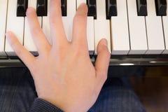 Lek för pianospelare musiken Royaltyfri Bild