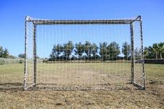 leka för barnfotboll Royaltyfri Bild