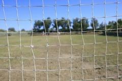 leka för barnfotboll Royaltyfria Foton