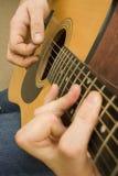 leka för gitarr Fotografering för Bildbyråer