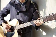 leka för gitarr Royaltyfri Bild
