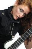 leka för gitarr för kvinnlig skraj Royaltyfria Foton