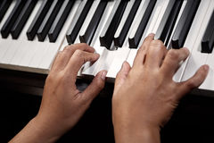 leka för piano Royaltyfri Fotografi