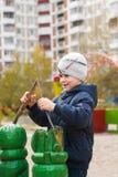 leka för pojkelekplats Arkivbilder