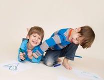 Leka för ungar royaltyfri fotografi