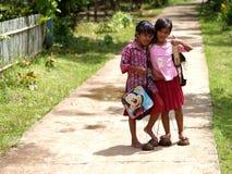 Leka indonesiska flickor Fotografering för Bildbyråer