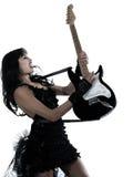 leka kvinna för elektrisk gitarrspelare Arkivfoto