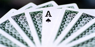 leka poker för topp- kort Royaltyfri Bild