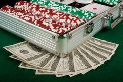 leka pokerset för pengar Royaltyfri Foto