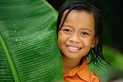 leka regn för barn Arkivfoto