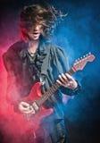 leka rockstjärna för konsert Royaltyfria Bilder