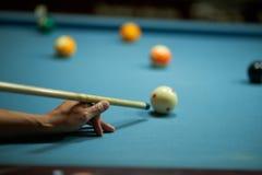 leka snooker royaltyfri fotografi